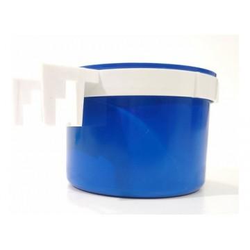 Comedouro Caneca Plástica para Pássaros com Suporte Plástico - 190 ml